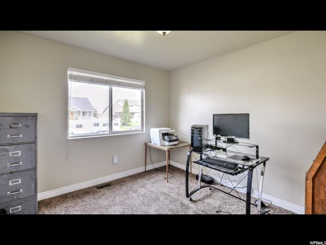Additional photo for property listing at 4595 W 1650 N 4595 W 1650 N West Point, Utah 84015 États-Unis