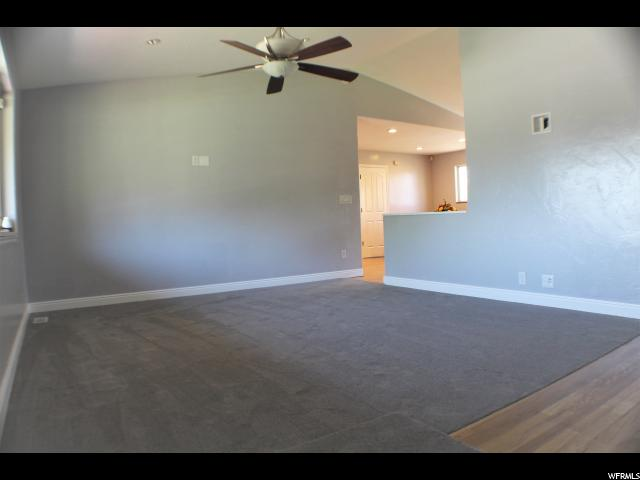 Additional photo for property listing at 1088 W 150 S 1088 W 150 S Kaysville, Юта 84037 Соединенные Штаты