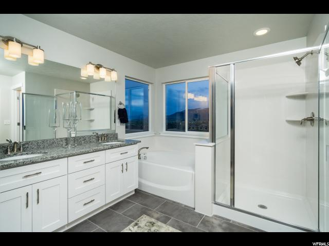 Additional photo for property listing at 1257 W ARBOR Circle 1257 W ARBOR Circle Unit: 102 Layton, Utah 84041 États-Unis