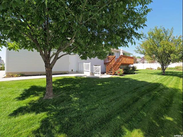 Additional photo for property listing at 93 W 2200 N 93 W 2200 N Layton, Utah 84041 Estados Unidos