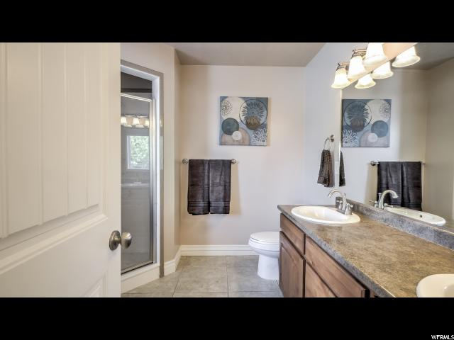 Additional photo for property listing at 1392 W 1950 S 1392 W 1950 S Syracuse, Utah 84075 États-Unis