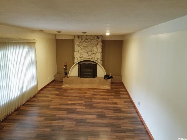 Additional photo for property listing at 11980 S 3600 W 11980 S 3600 W Riverton, Utah 84065 Estados Unidos
