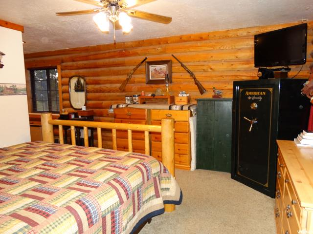 Additional photo for property listing at 423 W 2550 N 423 W 2550 N Harrisville, Юта 84414 Соединенные Штаты