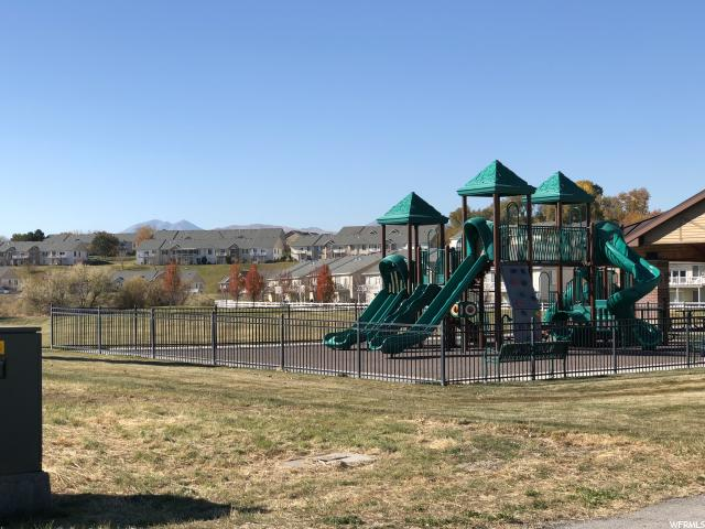 Additional photo for property listing at 2123 W KIMBER Lane 2123 W KIMBER Lane Unit: 36 Riverton, Utah 84065 Estados Unidos