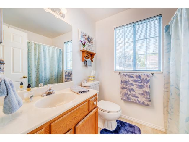 Additional photo for property listing at 2502 W BENNION PINES Court 2502 W BENNION PINES Court Taylorsville, Utah 84129 États-Unis