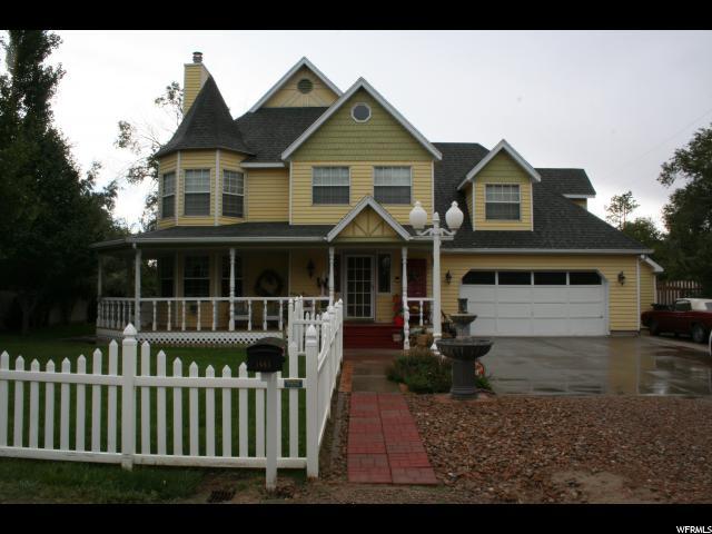 Unique la famille pour l Vente à 1685 W 4100 N 1685 W 4100 N Spring Glen, Utah 84526 États-Unis