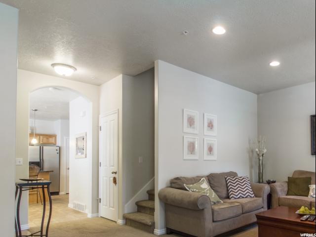 Additional photo for property listing at 879 RED SAGE Lane 879 RED SAGE Lane Salt Lake City, Utah 84107 États-Unis