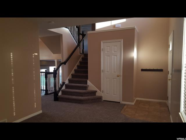 Additional photo for property listing at 2498 N 1175 E 2498 N 1175 E Layton, Юта 84040 Соединенные Штаты