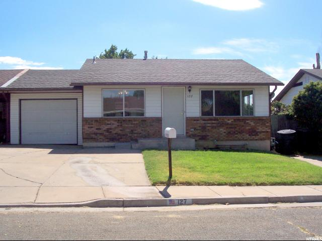 Twin Home للـ Sale في 127 W 2100 N 127 W 2100 N Sunset, Utah 84015 United States