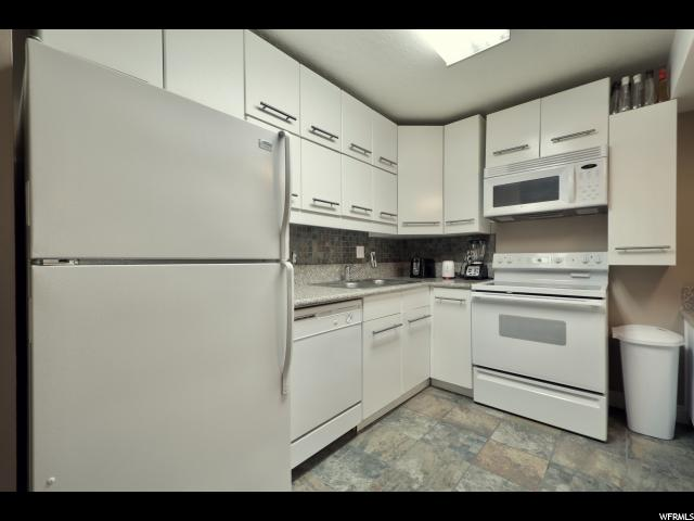 24 W LESTER AVE Unit C21 Murray, UT 84107 - MLS #: 1480224