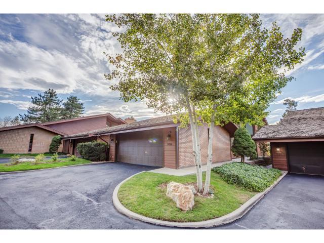 Maison accolée pour l Vente à 9026 S 3605 E 9026 S 3605 E Cottonwood Heights, Utah 84093 États-Unis