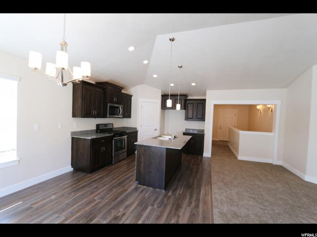 Additional photo for property listing at 206 W 400 S 206 W 400 S Unit: 25A American Fork, Юта 84003 Соединенные Штаты