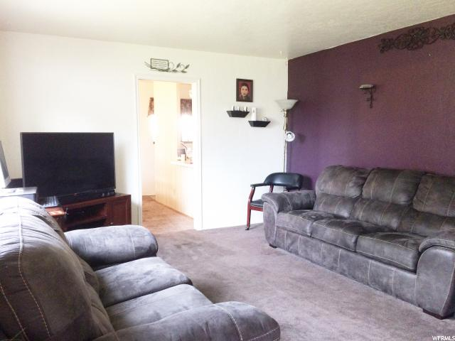 Additional photo for property listing at 4795 W 4955 S 4795 W 4955 S Kearns, 犹他州 84118 美国