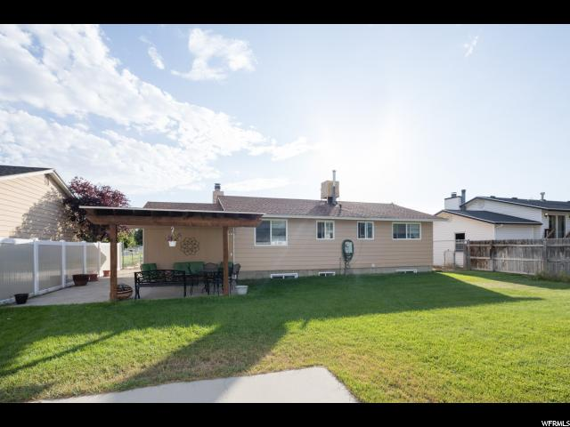 Additional photo for property listing at 10431 S AMARYLLIS Street 10431 S AMARYLLIS Street Sandy, Utah 84094 Estados Unidos