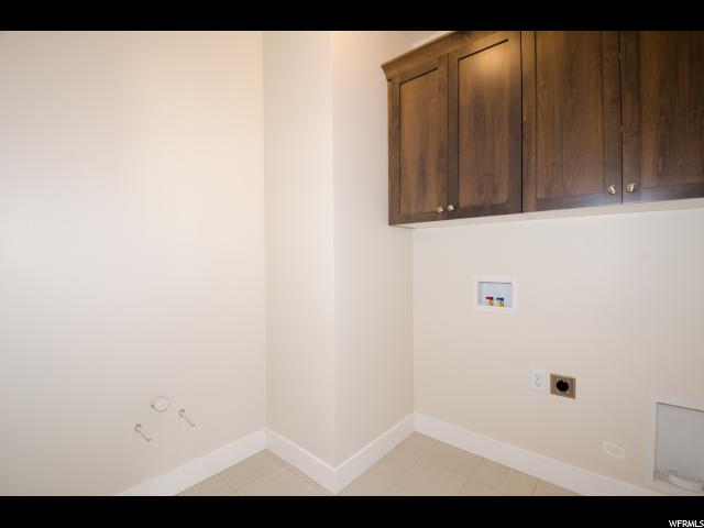 Additional photo for property listing at 1479 E SEGO LILY Court 1479 E SEGO LILY Court Unit: 121 Layton, Utah 84040 United States