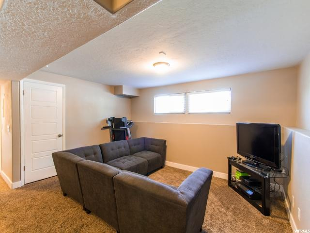 Additional photo for property listing at 1058 E TURQUOISE WAY 1058 E TURQUOISE WAY Unit: 30 Sandy, Utah 84094 Estados Unidos