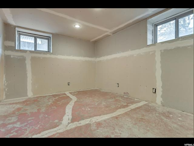 Additional photo for property listing at 948 PATTERSON 948 PATTERSON Ogden, Юта 84403 Соединенные Штаты