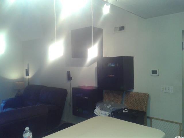 1205 E WATERSIDE CV Unit 33 Cottonwood Heights, UT 84047 - MLS #: 1480573