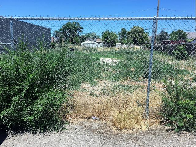 Additional photo for property listing at 762 W 1355 S 762 W 1355 S Salt Lake City, Utah 84104 États-Unis