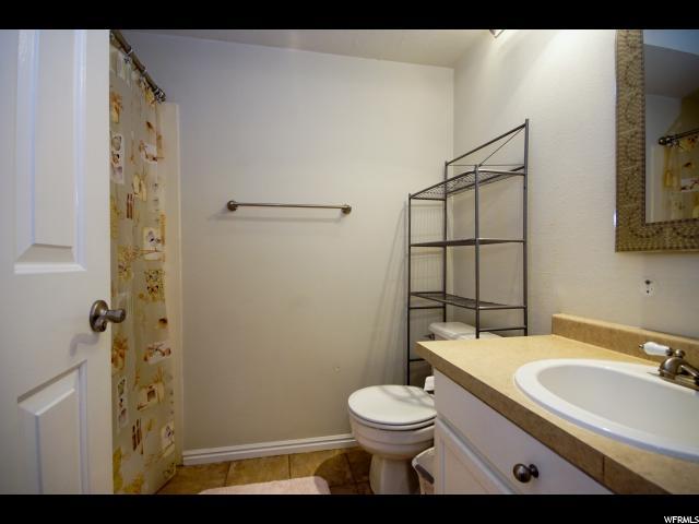Additional photo for property listing at 658 W JEFFERSON CV 658 W JEFFERSON CV Unit: 7-D Sandy, Utah 84070 Estados Unidos