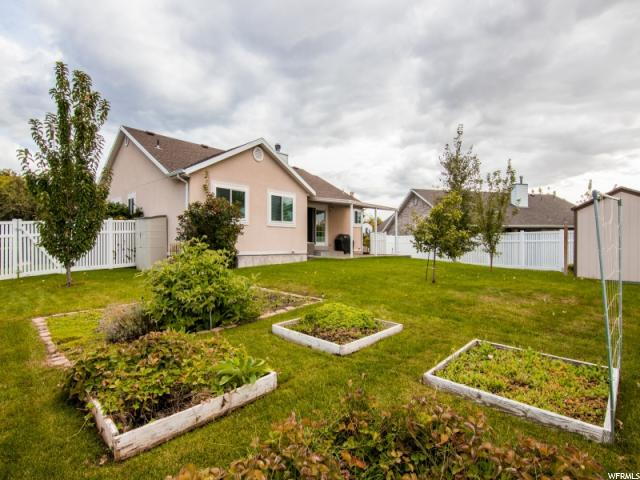 Additional photo for property listing at 206 W 1350 N 206 W 1350 N Centerville, Utah 84014 United States