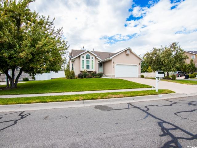 Additional photo for property listing at 206 W 1350 N 206 W 1350 N Centerville, Utah 84014 Estados Unidos