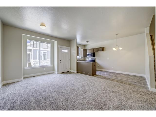 Additional photo for property listing at 1771 E SKYLINE Drive 1771 E SKYLINE Drive Unit: 8 Eagle Mountain, Utah 84005 Estados Unidos