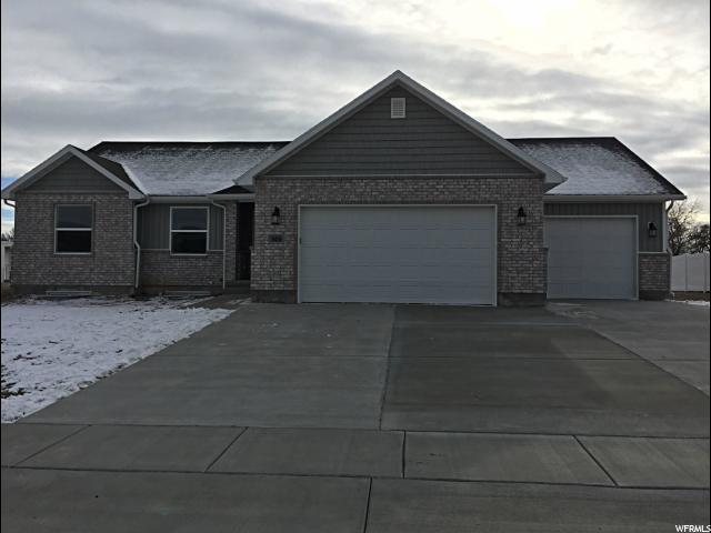 单亲家庭 为 销售 在 656 E 100 N 656 E 100 N Tremonton, 犹他州 84337 美国