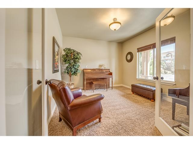9238 S BRIGHTON VIEW DR DR Sandy, UT 84070 - MLS #: 1480780