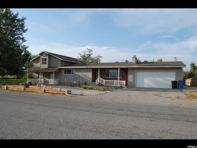 Unique la famille pour l Vente à 2530 W 2000 S Lewiston, Utah 84320 États-Unis