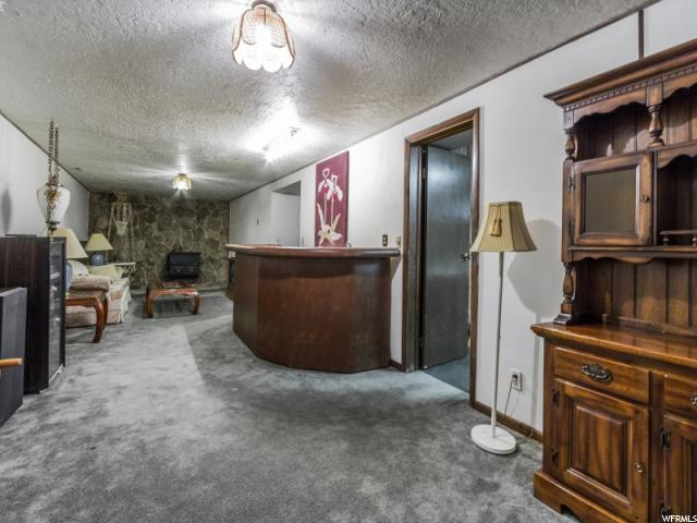 Additional photo for property listing at 277 E 5150 S 277 E 5150 S Washington Terrace, 犹他州 84405 美国