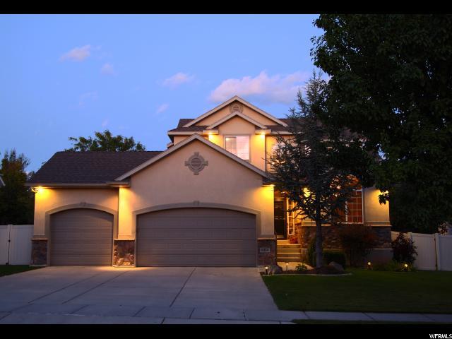 Unique la famille pour l Vente à 6433 S UINTAH PEAK Drive 6433 S UINTAH PEAK Drive Taylorsville, Utah 84129 États-Unis