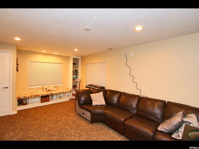 Additional photo for property listing at 6433 S UINTAH PEAK Drive 6433 S UINTAH PEAK Drive Taylorsville, Utah 84129 United States