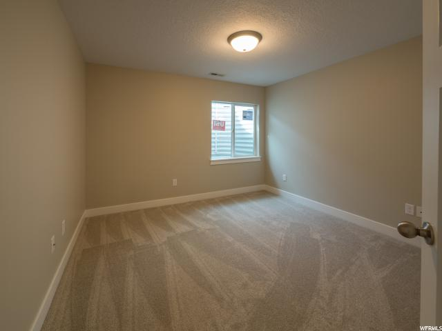 Additional photo for property listing at 1333 W WALLSBURG Drive 1333 W WALLSBURG Drive Unit: T103 Taylorsville, Utah 84123 Estados Unidos