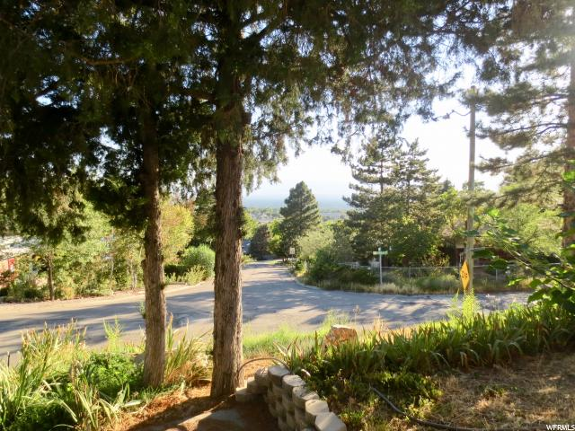 Additional photo for property listing at 3415 S EASTWOOD Drive 3415 S EASTWOOD Drive Millcreek, Юта 84109 Соединенные Штаты