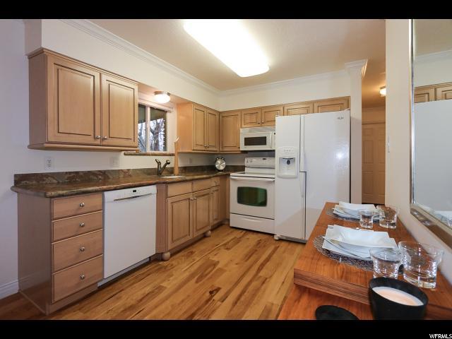 Additional photo for property listing at 6554 S VINECREST Drive 6554 S VINECREST Drive Salt Lake City, Utah 84121 United States