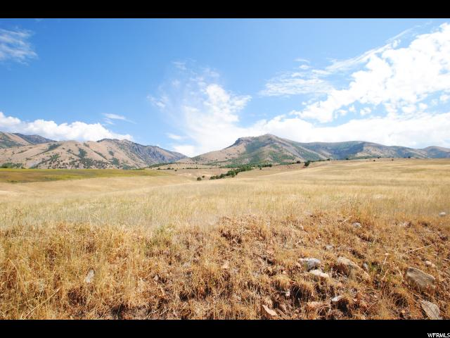 Additional photo for property listing at 1400 E 9000 S 1400 E 9000 S Paradise, Utah 84328 Estados Unidos