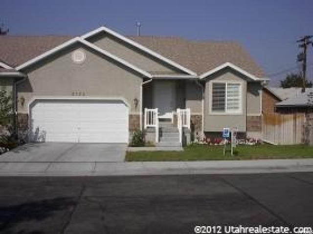 Twin Home للـ Sale في 2122 S 2060 E Salt Lake City, Utah 84109 United States