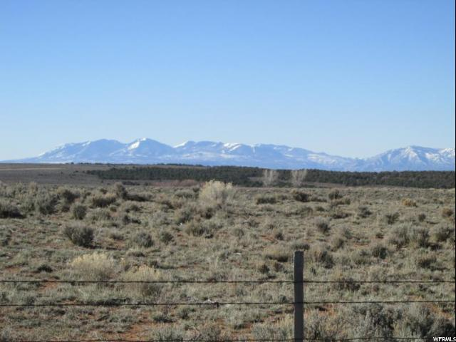 Additional photo for property listing at 19 BOBBIE LANE 19 BOBBIE LANE La Sal, Utah 84530 Estados Unidos