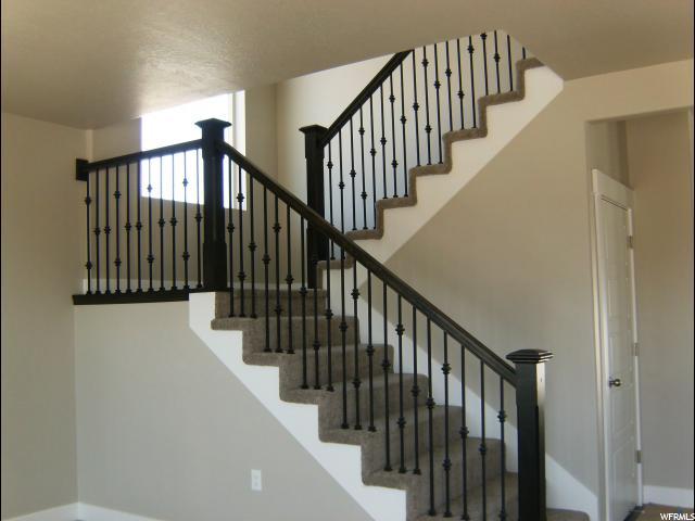 Additional photo for property listing at 1955 S 525 W 1955 S 525 W Syracuse, Utah 84075 Estados Unidos