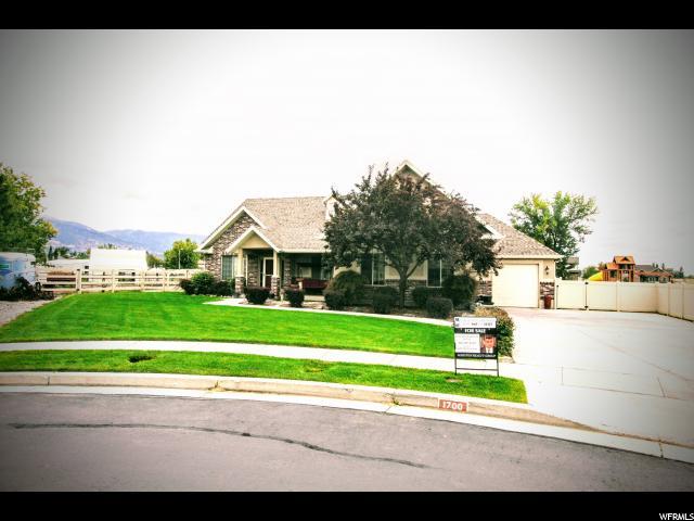 Single Family for Sale at 1700 N EAGLE GLENN Circle 1700 N EAGLE GLENN Circle West Bountiful, Utah 84087 United States