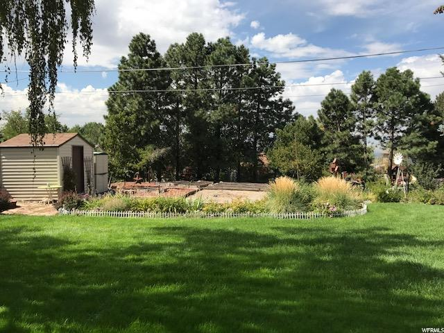 Additional photo for property listing at 8666 S 1185 E 8666 S 1185 E Sandy, Utah 84094 United States