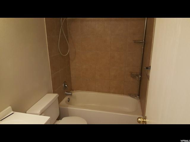 Additional photo for property listing at 105 W 5050 S 105 W 5050 S Washington Terrace, Utah 84405 United States