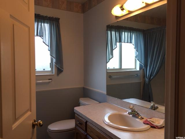 Additional photo for property listing at 1184 N 900 E 1184 N 900 E Layton, Utah 84040 États-Unis
