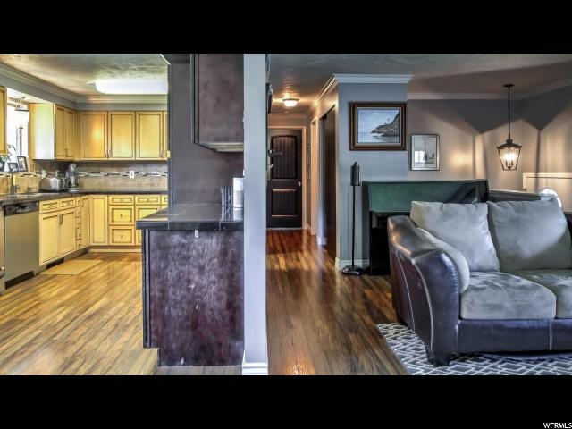 Additional photo for property listing at 717 W PAGES Lane 717 W PAGES Lane West Bountiful, Utah 84087 États-Unis