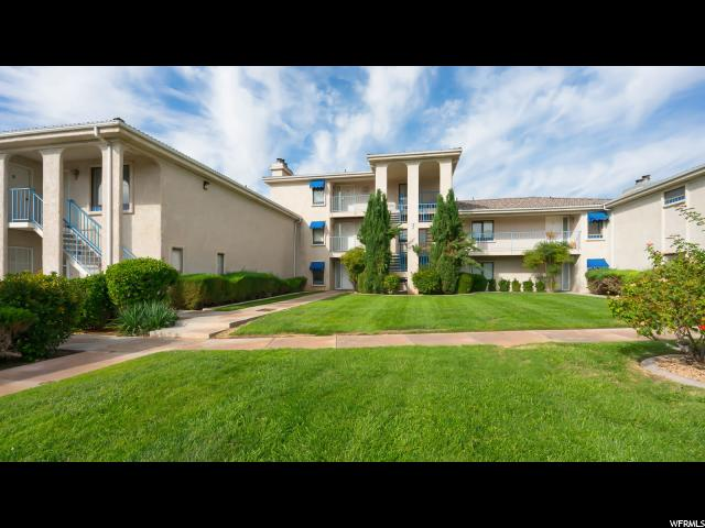 Appartement en copropriété pour l Vente à 860 S VILLAGE Road 860 S VILLAGE Road Unit: Y-11 St. George, Utah 84770 États-Unis