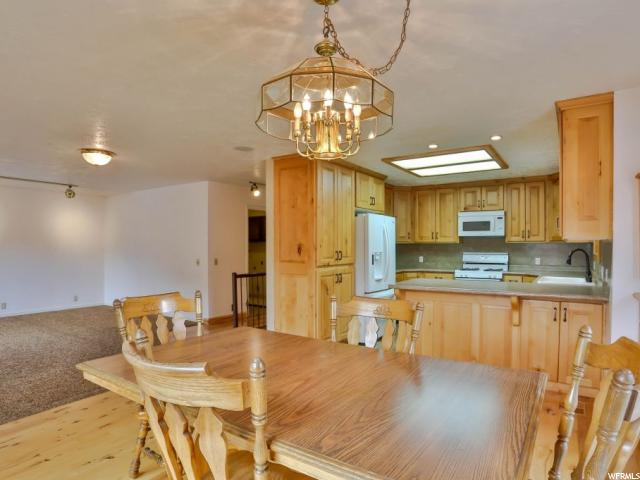 Additional photo for property listing at 5711 S 2665 W 5711 S 2665 W Taylorsville, 犹他州 84129 美国