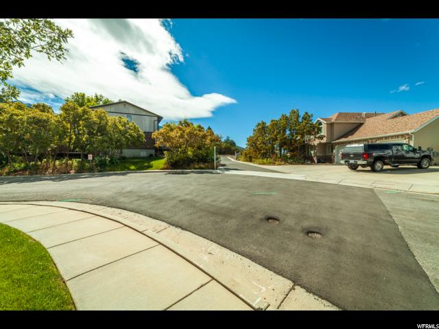Additional photo for property listing at 8558 S LITTLE WILLOW Circle 8558 S LITTLE WILLOW Circle Cottonwood Heights, Utah 84121 United States