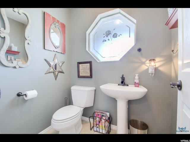 Additional photo for property listing at 419 W 3900 N 419 W 3900 N Provo, Юта 84604 Соединенные Штаты