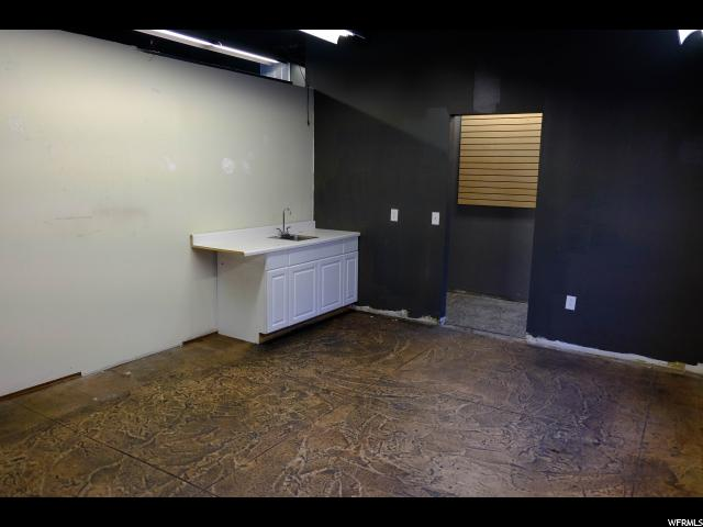 Additional photo for property listing at 249 E 400 S 249 E 400 S Salt Lake City, Utah 84111 États-Unis